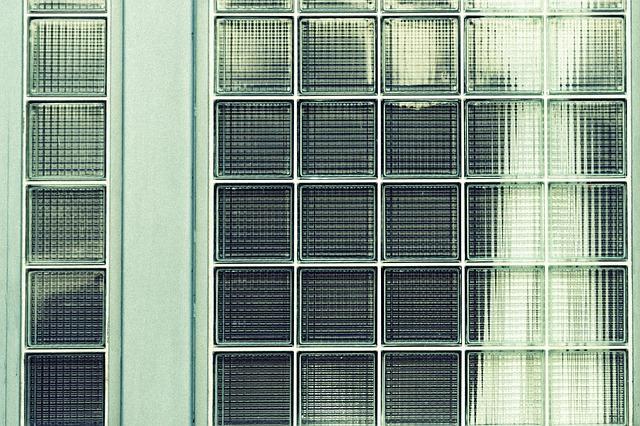 sklěnená stěna