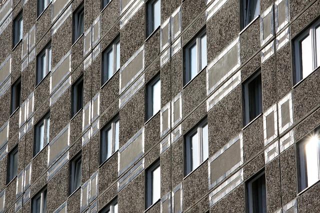 panelák bez balkónov.jpg